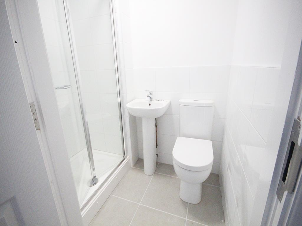 2 bedroom apartment To Let in Earby - IMG_5066.jpg